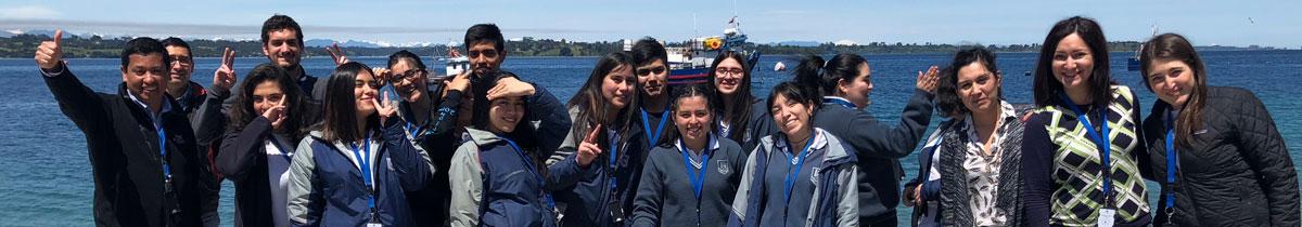 Australis realiza emotiva ceremonia de despedida a alumnos de cuarto medio